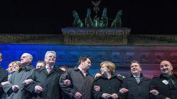 Berlino risponde a Pegida, grande marcia con Merkel contro