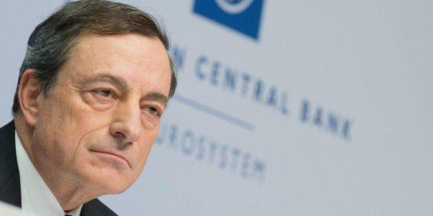 Bce, Mario Draghi punzecchia la Germania: