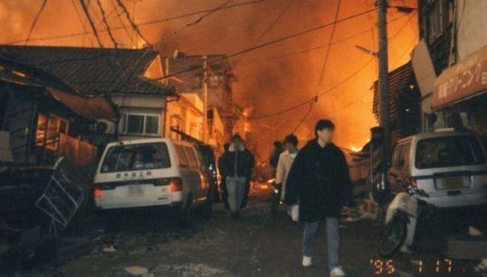 20 anni fa il terremoto di Kobe: le immagini prima e dopo la ricostruzione