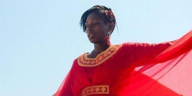 Amedy Coulibaly, la sorella Maimouna danza su Youtube. Su Twitter: