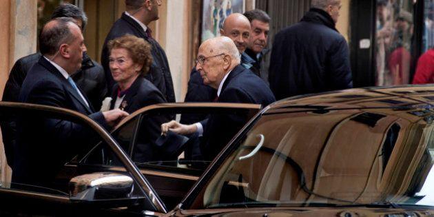 Dimissioni Giorgio Napolitano, 15 M5s indecisi se mollare il gruppo prima del 29. Il Pd in pressing....