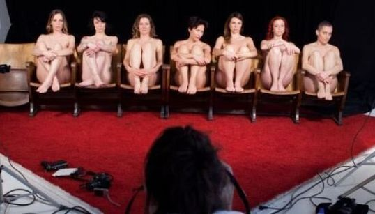 Art for porn: tornano le ragazze del porno per una raccolta fondi