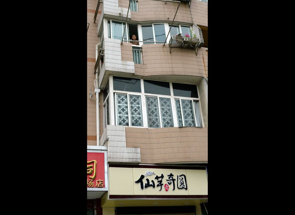 Zhenghu is confined to his apartment.