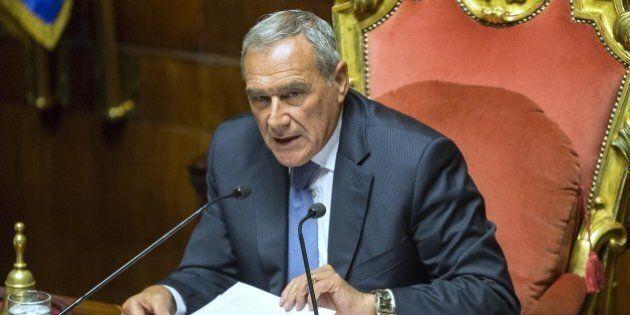 Riforma del Senato, la lunga giornata di Grasso: l'amarezza per lo scaricabarile del Pd. E al Colle si...