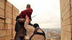 L'Isis getta i gay da un palazzo, crocifigge i ladri e lapida un'adultera