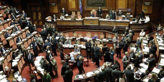 Riforme, la Camera vota l'ok alla fine del bicameralismo perfetto. Pippo Civati e 13 di Fi votano