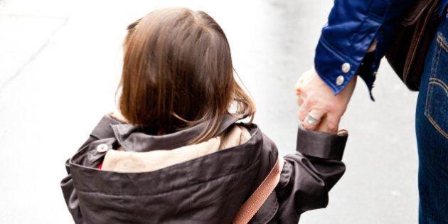 Mensa obbligatoria alla materna, i genitori vegani ritirano la figlia:
