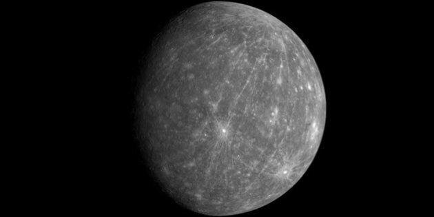Mercurio è la discarica del sistema solare. Risolto il mistero dell 'mantello oscuro' che avvolge il...