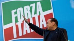 Berlusconi offre a Renzi la dolce morte di Forza Italia per tutelare