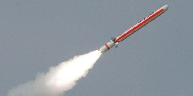 Stati Uniti Russia, Washington accusa Mosca di aver violato trattato su controllo armi.