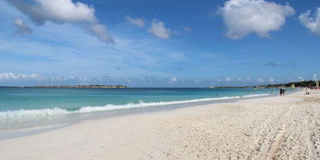 Vacanze, le spiagge per nudisti da non perdere: dalla Giamaica al Costarica