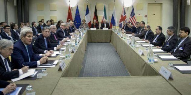 Iran nucleare, rush finale verso l'accordo. Ministro degli Esteri russo torna al tavolo: