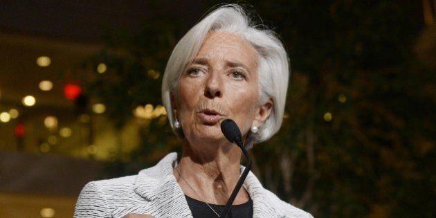 Conti pubblici, Fmi taglia stime crescita mondiale. Giù la previsione sul Pil 2014 dell'Italia a +0,3%,...