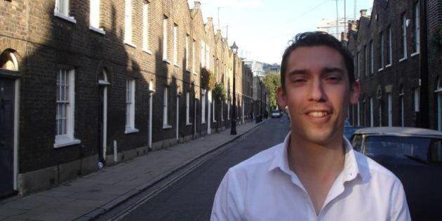 HIV, Adrian Hyyrylainen-Trett è il primo politico inglese a rivelarsi sieropositivo.