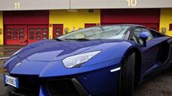 La Lamborghini Aventador, una supercar italiana dalla silhouette prorompente
