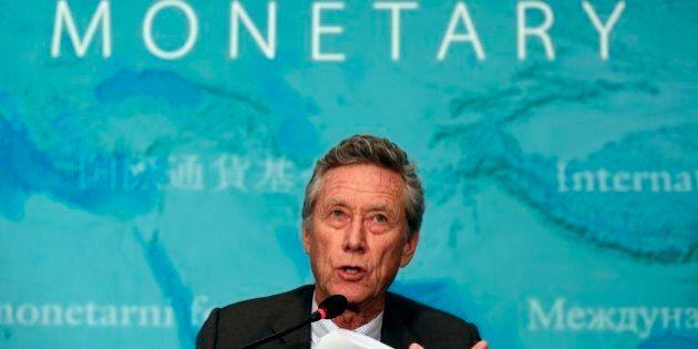 Stime rapporto Fmi, tagli alla crescita dell'Italia, +0,4% nel 2015, ultima del G7. Il Pil mondiale si...