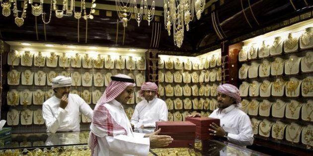 Dubai paga in oro i suoi cittadini per farli dimagrire. Un grammo ogni chilo perso: il programma