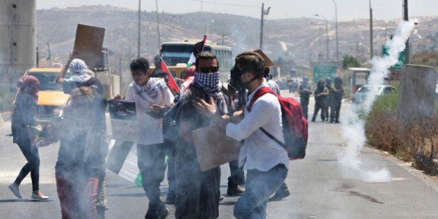 Cisgiordania: scontri e tensioni pensando a Gaza. Almeno quattro palestinesi uccisi, coloni aprono il