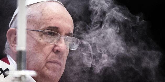 Il pugno di papa Francesco: street fighter a difesa delle