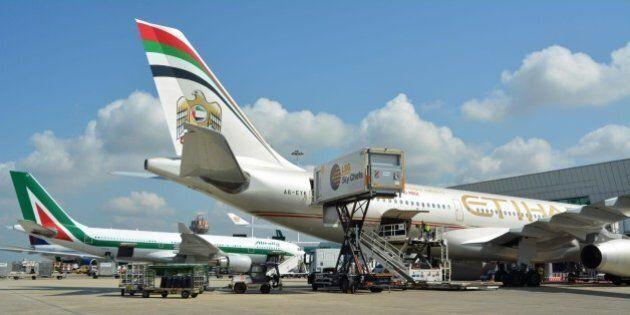 Alitalia Etihad, c'è l'accordo con le banche e con Poste Italiane. Resta ancora da definire l'intesa...
