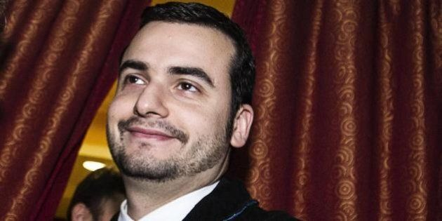 Carlo Sibilia responsabile Scuola e Università per il Movimento 5 Stelle, l'ironia su twitter: