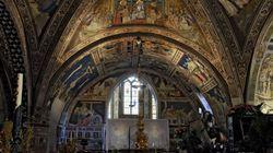 Restauro degli affreschi della Basilica di San Francesco d'Assisi, parte la raccolta