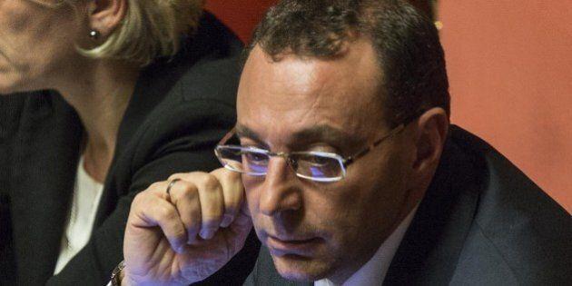 E Matteo Renzi invita il Pd alla calma, irritazione anche per i toni di Esposito: non abbiamo bisogno...