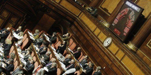 Italicum, Forza Italia decisiva per il governo. In 50 votano contro Gotor. Compatta la fronda del Pd,...