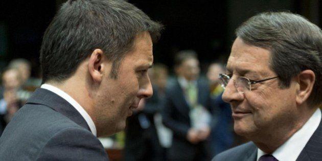 Bce, Mario Draghi verso il Quantitative easing. Da Renzi e Merkel pressioni opposte. È sempre Italia...