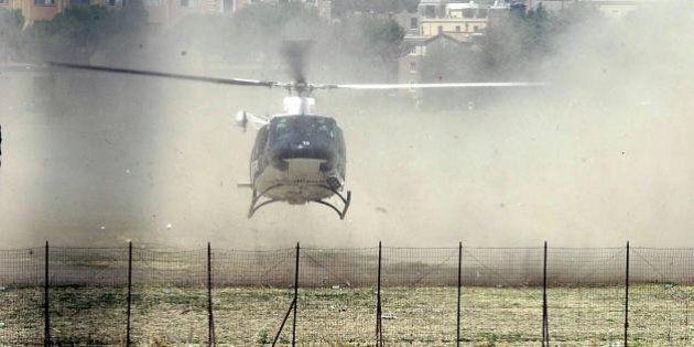 Matteo Renzi problemi con l'elicottero. Il premier costretto all'atterraggio per colpa del