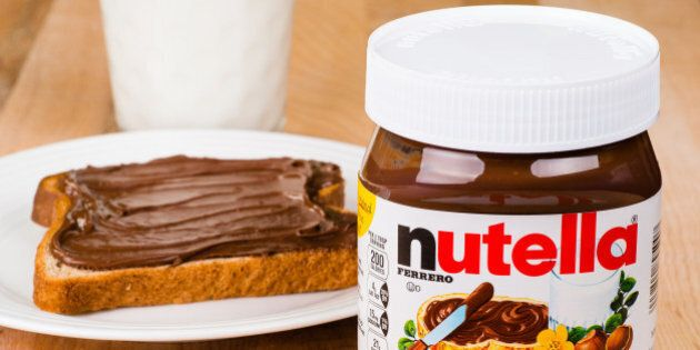 Nutella, un sito francese scopre la lista delle parole vietate sui barattoli. Bandite