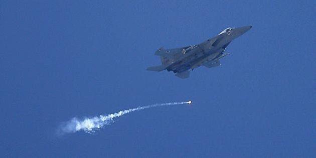 Cacciabombardieri israeliani si eserciteranno a Oristano. Interrogazione di Sel: