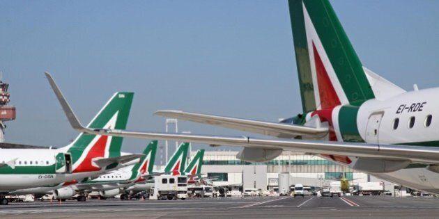 Alitalia, studio Mediobanca: in 40 anni è costata alla collettività 7,4 miliardi di
