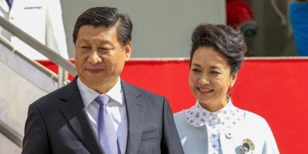 Cina, il presidente Xi Jinping guadagna 1600 euro al mese dopo essersi alzato lo stipendio del 62%