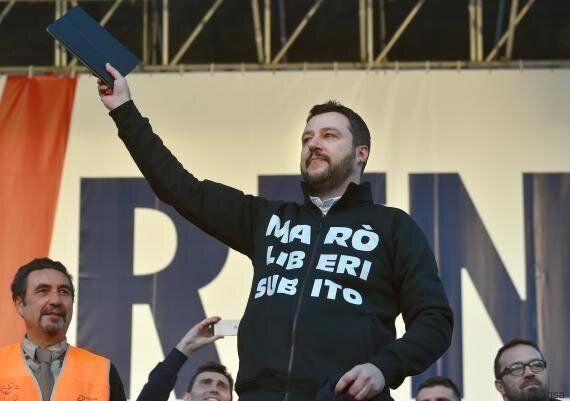 Nel look Salvini innova più di Renzi. Ora parla la