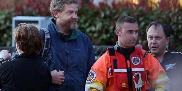 Louis Jordan salvato dopo 66 giorni alla deriva in mare aperto sulla sua barca capovolta.