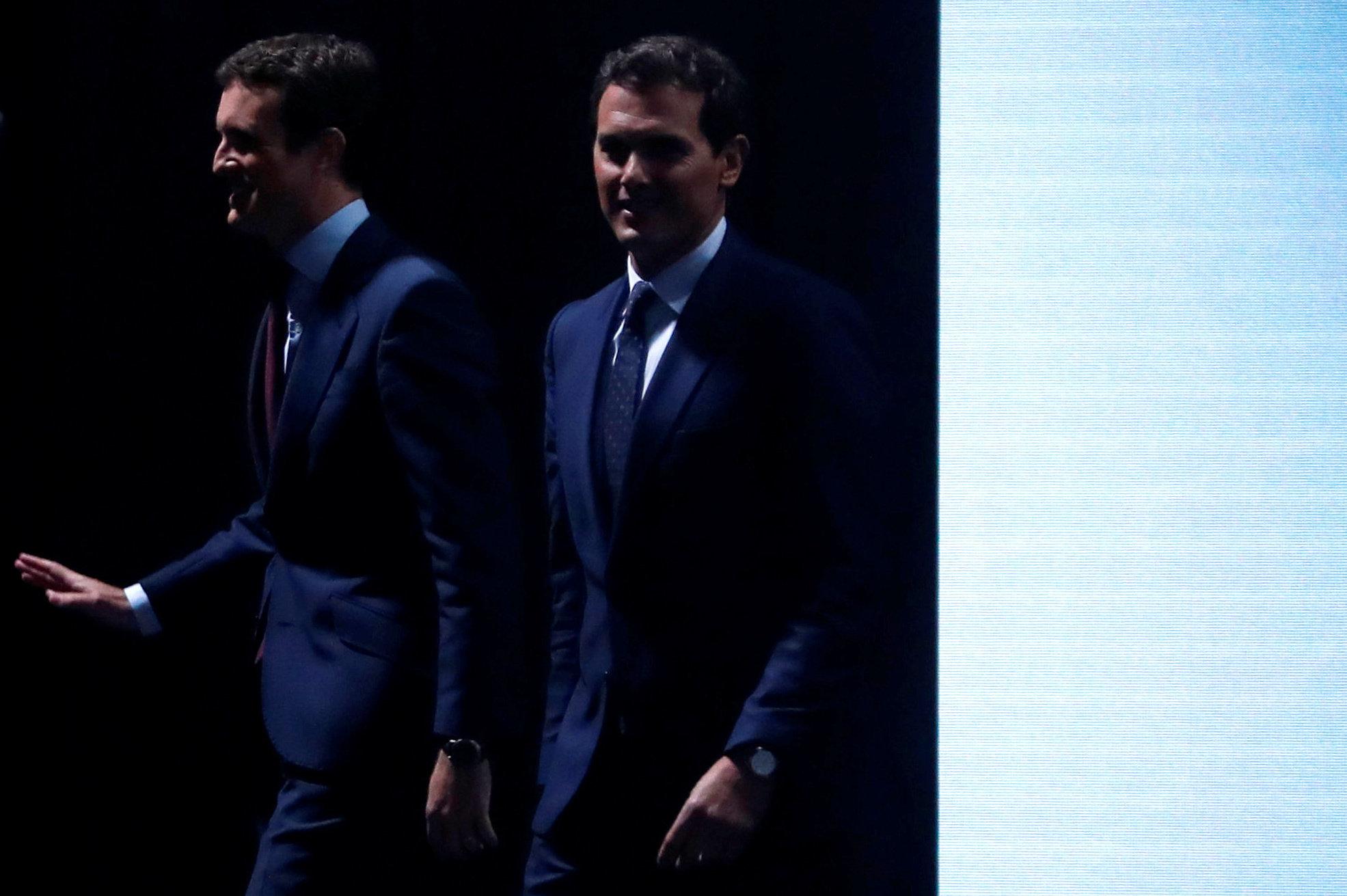 Pablo Casado y Albert Rivera, a su llegada al debate electoral de