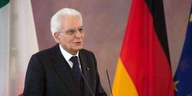 Sergio Mattarella a Berlino riceve le lodi per le riforme del governo. L'impegno della Merkel sugli