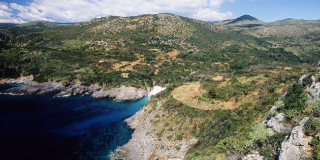Le 20 spiagge più belle d'Italia, secondo il sondaggio di Legambiente. Al primo posto Cala degli Infreschi