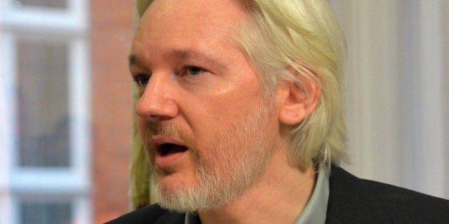 Libia, Julian Assange svela i piani dell'Europa: