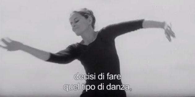 Dancing with Maria, la storia della ballerina che danza seguendo le foglie e il vento diventa un