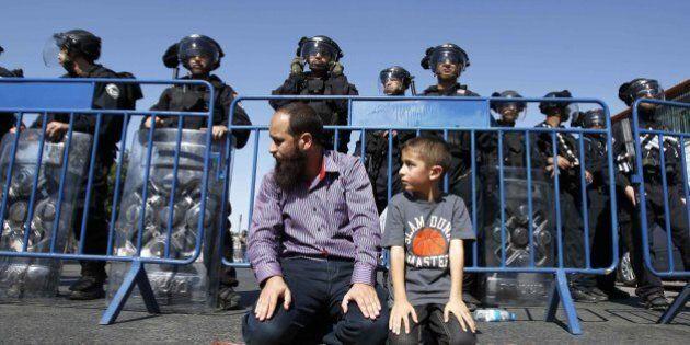 Bus israeliani vietati ai palestinesi della Cisgiordania. La decisione del ministro della