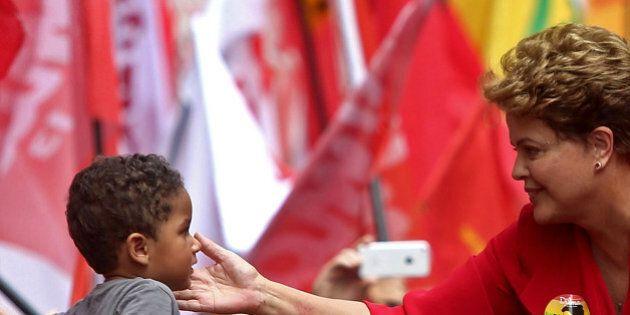 Elezioni Brasile, Dilma Rousseff rieletta presidente. Battuto Aecio Neves