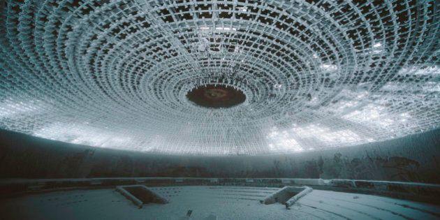A Buzludzha il monumento ormai fatiscente e spettrale del partito comunista bulgaro. Le foto di Maria