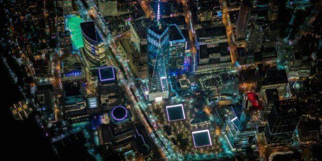 Le foto di New York di notte scattate da un elicottero a oltre 2mila metri di altezza. Il lavoro del...