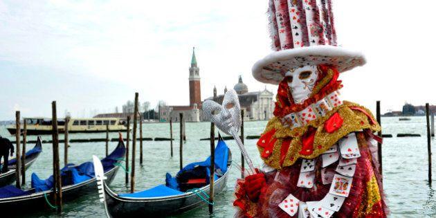 Aspettando il Carnevale di Venezia, tra maschere e viaggi nella memoria antica di vigneti