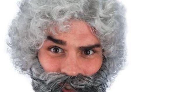 Vendesi parrucca e barba grigia Beppe Grillo su Ebay. Prezzo in euro: 21,96; prodotti venduti: 4