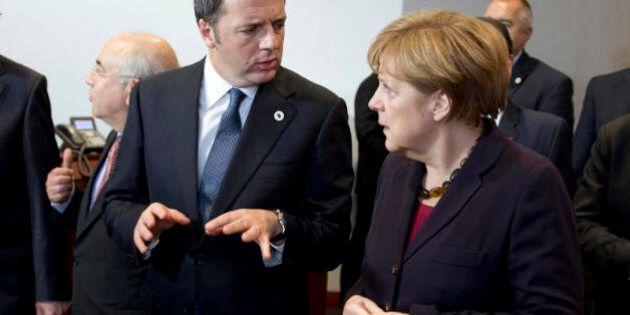 Matteo Renzi cicerone di Angela Merkel a Palazzo Vecchio. E a cena la Cancelliera loda
