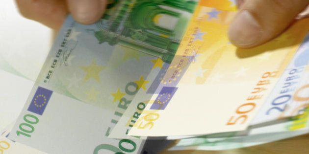 Un'impresa su tre puntuale nei tempi di pagamento. Il Lazio la maglia nera: solo il 25% delle aziende...
