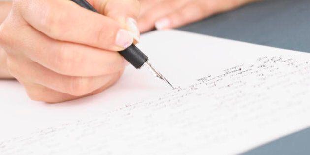 Scrivere fa bene alla salute: migliora l'umore, riduce lo stress, guarisce le ferite emotive e fisiche